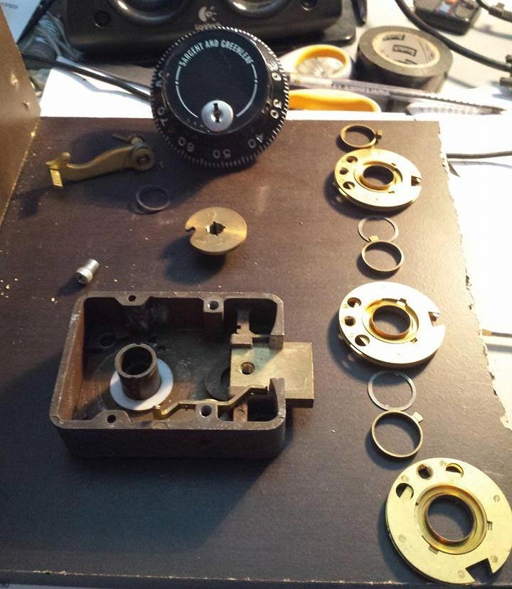 image of a dismantled safe combination dial